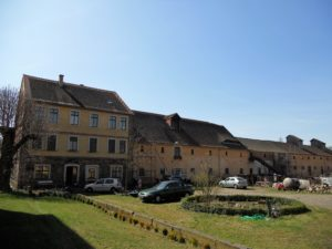 Die restlichen Gebäude des ehemaligen Ritterguts