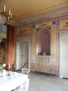 Kurz nachdem der 21-Jährige Schlossbesitzer Erich Blümner 1804 von einer Bildungsreise aus Italien zurückkam, lies er den Saal umbauen und neu einrichten.