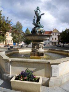 Der Centaurenbrunnen auf dem Marktplatz (1899)