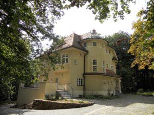 """Das Haus """"Glück auf"""" wurde 1914 erbaut und vom mittleren Sohn Walter (1886-1958) und seiner Familie bewohnt."""