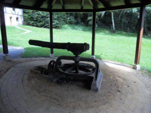 Der Göpel. Er wurde seit 1906 von zwei Eseln angetrieben und sicherte die Trinkwasserversorgung.