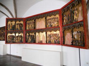 Umkreis Meister Bertram von Minden (um 1340-1414/15, Hamburg), Altaraufsatz mit Flügeln, um 1380, Eiche vergoldet, farbig gefasst