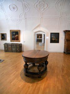 Die Barocksuite ist ein Eckraum, der ab 1624 mit Stuckaturen ausgestattet wurde.