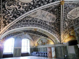 Der Hirschsaal. Dieser Raum wurde am Ende des 16. Jahrhunderts als Fest- und Speisesaal errichtet.