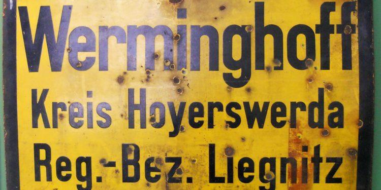Werminghoff war bis 1921 nur eine Arbeiterkolonie und erst ab jenem Jahr erlangte es den Status einer Gemeinde. Im Jahr 1950 wurde die Gemeinde in Knappenrode umbenannt, da ein Ort der nach einem pösen kapitalistischen Großindustriellen benannt war, nicht in den Sozialismus passte.
