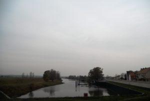 1853 verlor Mühlberg durch die künstliche Begradigung des Flusses seine unmittelbare Lage an der Elbe. Der bestehende Elbarm wurde 1883 zum Hafen ausgebaut.