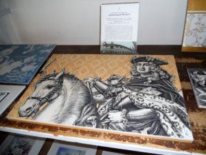 Im Jahr 1907 wurde der Fürstenzug auf der Rückseite des Stallhofs in Dresden angebracht. Die 25.000 handbemalten Platten wurden in der Porzellanmanufaktur gefertigt.