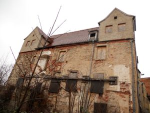 In diesem Haus wurde der Erbauer des Nord-Ostseekanals, Otto Baensch (1825-1898), geboren.