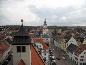 Der Blick vom 59 m hohen Rathausturm auf die Stadt.