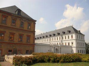 Der Schlossneubau wurde unter dem Baumeister Johann Moritz Richter und seinem gleichnamigen Sohn verwirklicht.