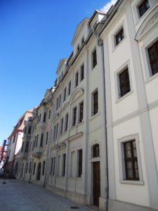 Die Kavaliershäuser in der Marienstraße ....