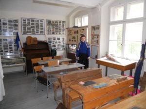 Klassenzimmer einer Schule im 20. Jahrhundert
