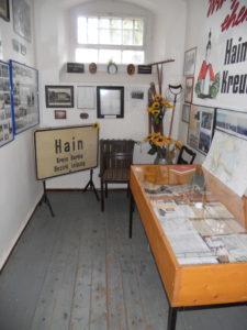 Räume zur Regions- und Stadtgeschichte, wie z. B. über die zugunsten des Braunkohleabbaus devastierten Dörfer.
