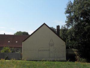 """Der nebenan liegende Hof erinnert an die """"guten alten Zeiten"""" anno 1237."""