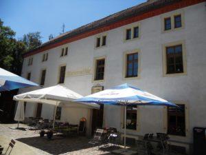 Die Marienmühle liegt mittig im Seifersdorfer Tal und ist eine beliebte Ausflugsgaststätte.