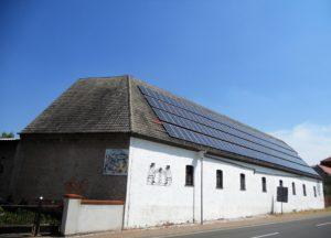 Auch die Wirtschaftsgebäude des ehemaligen Gutshofes sind noch erhalten.