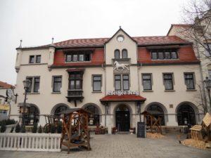 """Das """"Weiße Roß"""" ist die älteste Gaststätte der Stadt und wurde im 17. Jahrhundert errichtet."""
