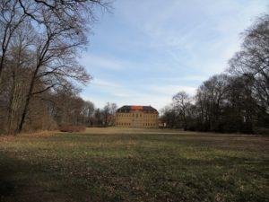 Die Parkseite des Schlosses
