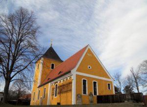 Die Kirche in Nischwitz wurde durch Zerstörungen und Verfall dreimal aufgegeben, aber immer wieder aufgebaut. Der Turm wurde 1980 zurückgebaut und das Gebäude als Werkstatt genutzt. Im Jahr 2001 fand die Wiedereinweihung als Kirche statt.