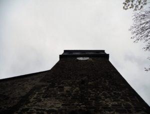 Veitskirche, angeblich 974 aus einer Burgkapelle entstanden, bis ins 17. Jh. mehrere Umbauten