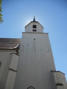 """Johanneskirche (""""Wendische Kirche"""") 1225 erstmals erwähnt 16. Jahrhundert Turmbau"""