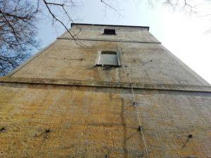 Kirche, 1722-1725 Bau, 1970 Verkürzung des Kirchturms durch Abnahme der Haube