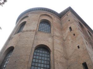Evangelische Kirche zum Erlöser (Konstantinbasilika) im 4. Jahrhundert als Audienzhalle erbaut 1614 teilweiser Abriss 1844-1856 Wiederaufbau und Nutzung als Kirche