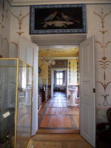 Der Blick vom Ankleiderzimmer der Herren in das Pfauenzimmer/Bulgarisches Zimmer