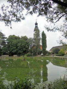 Der Küchenteich mit der Laurentiuskirche im Hintergrund