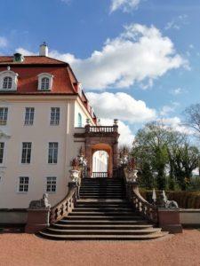 Der Altan am Seitenflügel des Schlosses