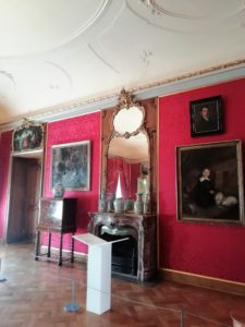 Der Rote Salon